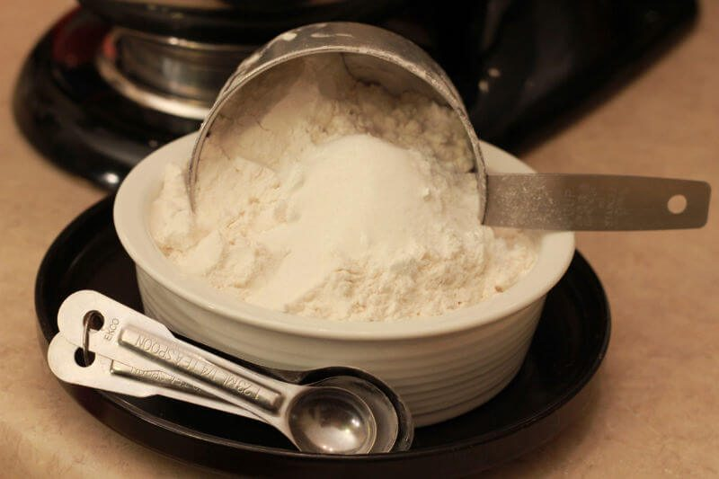 Mix cake flour, salt, baking powder and erythritol in separate bowl