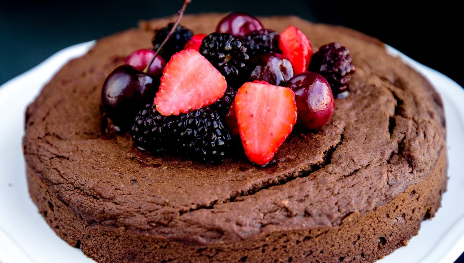 sugar-free-eggless-chocoberry-cake-016