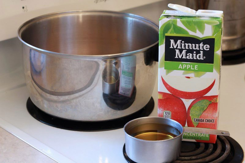 pour unsweetened apple juice into the pot